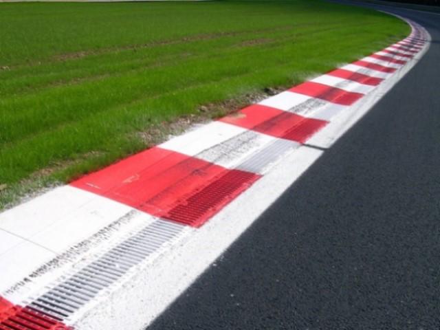 Racetrack 640 x 480